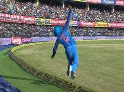 Manish Pandey Pulled Off Stunning Catch During Indvsaus 3rd Odi Match
