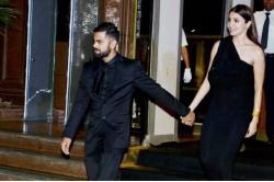 India South Africa Anushka Sharma Virat Kohli Spotted With Akshay Kumar