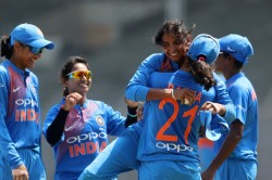 India Defeats England 8 Wickets Women S Tri Nation Series T20 Match