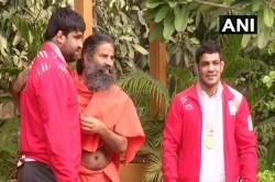 Wrestler Sushil Kumar Sumit Malik Meet Baba Ramdev Delhi