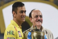 Dwayne Bravo Explains Why Ms Dhoni Is Best Captain Of World Never Keeps Player Under Pressure