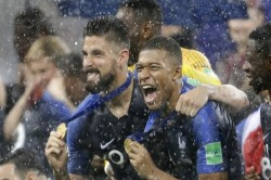 Pm Modi Ramnath Kovind Congratulate France Fifa Champion
