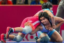 Iindia S Divya Kakran Wins Bronze In 68kg Wrestling
