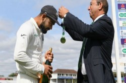Indvseng Watch What Virat Kohli Did With Champagne