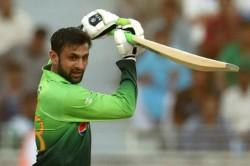 Asia Cup Wasim Akram Compares Shoaib Malik To Ms Dhoni