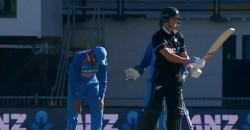 Rohit Sharma Splits After Trent Boult S Bizarre Defensive Shot