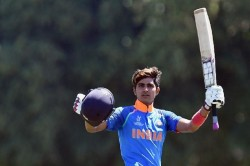 Sourav Ganguly Backs Shubman Gill Play Remainingodi Against New Zealand