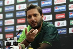 Good News Fans Afridi Will Not Give Up Playing Cricket