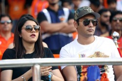 Anam Mirza And Mohammad Azharuddin Son Asaduddin During Ipl 2019 Match
