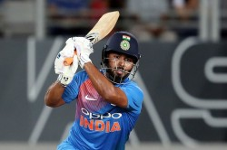 Icc World Cup 2019 Rishabh Pant Is Not Selected In Indian Squad Sunil Gavaskar Surprised