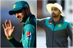 Shoaib Malik And Mohammad Amir Ask Fans For Give Some Respect To Players