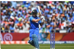 Indvswi Ms Dhoni Changed The Bat In Last Ball And Hit 79 Meter Long Six