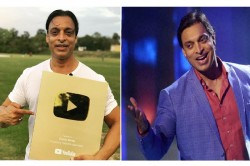 Shoaib Akhtar Gets Official Plaque From Youtube For One Million Subscribers