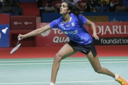 Pv Sindhu Pulls Out Of Thailand Open Saina Nehwal Back On Cn Circuit