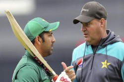 Mickey Arthur Recommends Pcb To Sack Sarfaraz Ahmed As Captain Of National Team