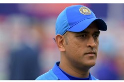 World Cup Winning Wicketkeeper Backs Ms Dhoni Says He Must Stay In Team