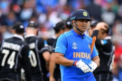 I Was Try To Hold My Tears When Ms Dhoni Run Out In Wc 2019 Says Yuzvendra Chahal