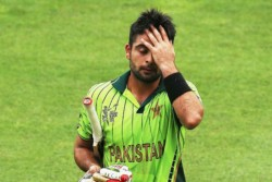Pakistan Batsman Ahmed Shehzad Ball Tampering Scandal Qaid E Azam Trophy Pcb Fined