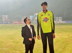 Pakistan Super League Ready To Rope In Tallest Cricketer Of World 7ft 5 Inches Tall Muhammed Mudasar