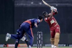 T10 League 2019 Maratha Arabians Vs Northern Warriors Yuvraj Singh Flop Andre Russell Hits Quick