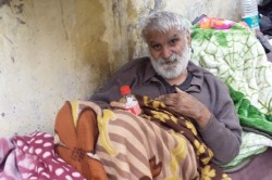 Ex Hockey Player Amarjeet Singh Sleep On The Footpath Of Paharganj