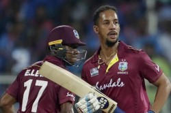 With The Help Of Fours And Sixes Lendl Simmons Made 80 Runs In 15 Balls