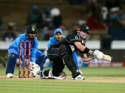 India Vs New Zealand 1st Odi 3 Mistakes Which Costs India Match Hamilton Ross Taylor Kuldeep Yadav