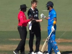 Icc Trolls Jimmy Neesham After Posting Picture With Kl Rahul Suggests New Tie Breaker Super Over