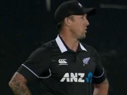 India Vs New Zealand Odi Series When Fielding Coach Of Nz Luke Ronchi Becomes Substitute Fielder