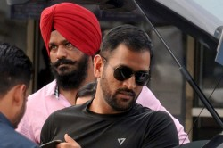 How Will Mahendra Singh Dhoni Come Back In Team India Who Is Running Out Of The Team