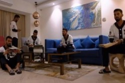 Kl Rahul Imprisoned At Home Passing Time Like This Watch Video