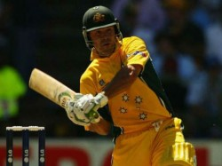 World Cup Final Ricky Ponting Shares Old Bat Pic Through Scored 100 Fans Ask Spring Kahan Hai