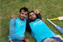 Ipl 2020 Rohit Sharma Talks With Kevin Pietersen And Yuzvendra Chahal On Fate Of T20 League