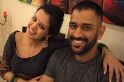 Sakshi Shared A Photo Of The Stock Told Whom She And Dhoni Are Now Known