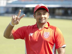 Cricketer Sarfaraz Khan Decides No Celebration On Eid Distributing Food Packets To Migrant Workers