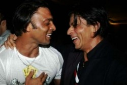 Shoaib Akhtar Donated 15 Year Old Gift Given By Shahrukh Khan During Ipl Season 1 Know Why