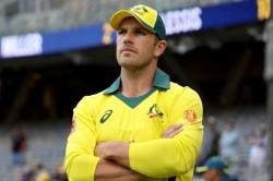 Smith Oe Kohli Aaron Finch Told Who Is The Best Batsman Of Odis