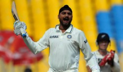 Happy Birthday Five Occasions When Harbhajan Singh Fought Back With Bat In His Career