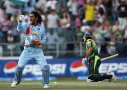 Michael Holding On Ms Dhoni Retirement Says Looked Like He Wanted To Destroy Whatever Was In Front