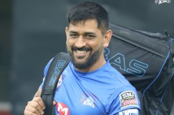 Rp Singh Said Ms Dhoni Finishing Ability Is Non To Second Though He Wanted To Bat On No