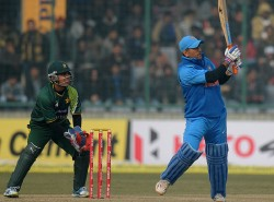When Ms Dhoni S Six Hit The Indian Girl With Whom The Pakistani Player Was Going On A Date