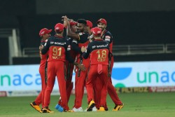 Mumbai Vs Bangalore Ipl 2020 Rcb Beats Mumbai Indians In Super Over Won Second Match In League