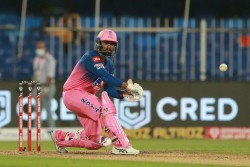 Ipl 2020 Rahul Tewatia Slams 5 Sixes In Over Of Sheldon Cotrell Became Hero To Villain In Rr Vs Kxip