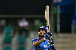 Loss Against Rajasthan Royals Mumbai Indian Coach Gives Dressing Room Man Of The Match To Hardik
