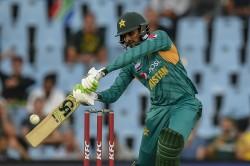 Shoaib Malik Complete 10 Thousand Runs In T20 Cricket