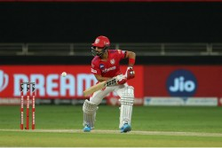 Kxip Vs Srh Mandeep Singh Father Died One Night Before Match After That He Came On Ground Play Match