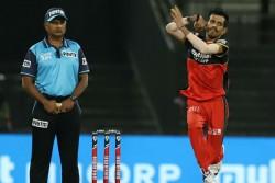 Rcb Vs Kxip Ipl 2020 Yuzvendra Chahal Completes 200 T20 Wickets Bowled Mayank Agarwal