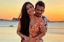Ipl 2020 Yuzvendra Chahal Shares Romantic Pic With Dhanshree Verma Devilliers Get Trolled