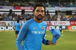 India Vs Australia Mohammed Siraj Reveals How Kohli Convinces Him To Stay In Tour After Father Death