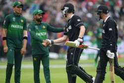 New Zealand Vs Pakistan Bilateral Series 7th Pak Player Tested Positive For Corona